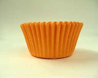 32 Orange Baking Cups