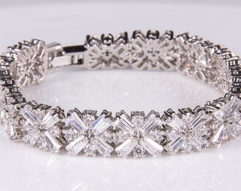 Crystal bracelet, Bridal bracelet, Rhinestone Bracelet, Swarovski Bracelet, Wedding bracelet, Bridal accessories, Prom, Crystal Bracelet b4