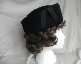 1960's or 70's Black Wool Felt  M. Berne Beret Hat by Henry Pollak of New York, Excellent Condition!!!