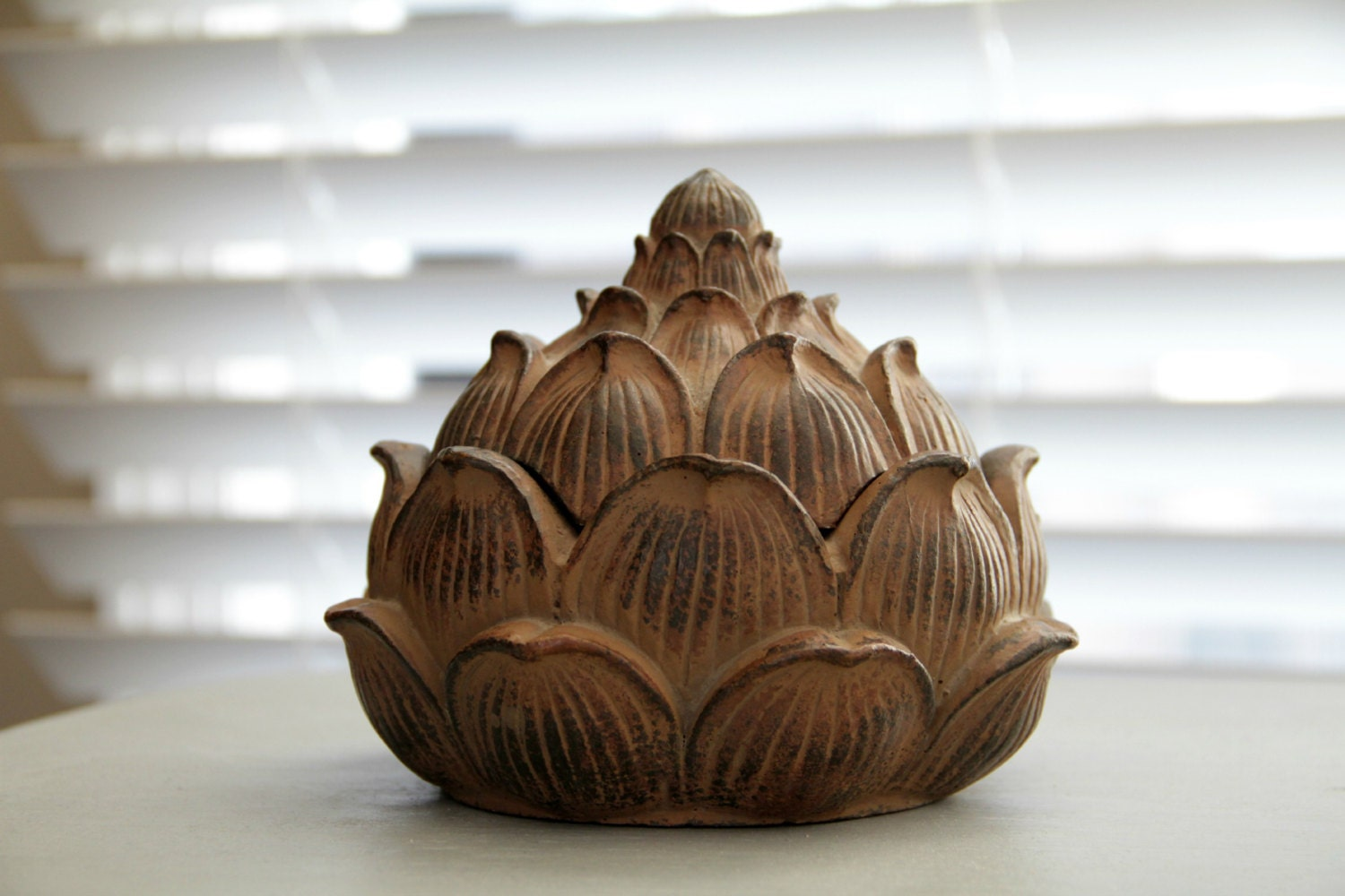Kitchen decor artichoke dish artichoke bowl home by for Artichoke decoration