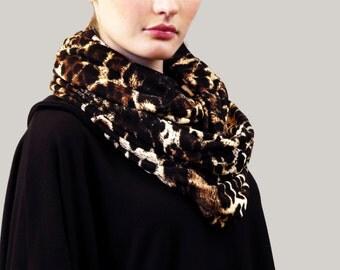 leopard print fine knit jersey circle scarf