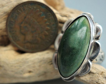 Mexico Green Stone Sterling Silver Ring 1930s