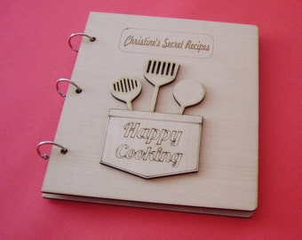 """Personalized recipe book  - All text on the wooden covers, can be personalized!  """"HAPPY COOKING"""""""