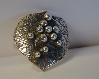"Silver ring ""hortensia"" ring size 17.5"