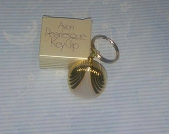Vintage 1984 AVON Pearlesque Key Clip New Old Stock