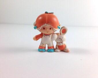 1981 Apricot with Hopsalot PVC mini figure