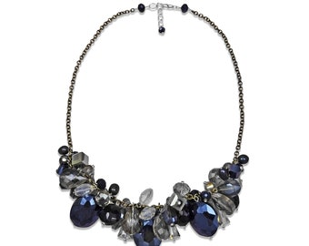 Sparkling crystal necklace with fresh water pearls