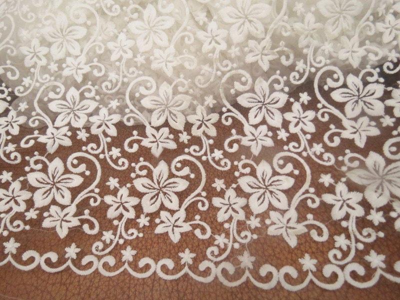 breite 4921 zoll elfenbein spitze stoff blumen bestickt. Black Bedroom Furniture Sets. Home Design Ideas