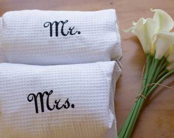 Mr and Mrs Wedding gift - Couples robes - Set of Mr. and Mrs. Robes - Short Robes - Couple Gift Kimono Waffle Weave Robes