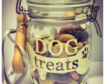 Dog treat jar including treats