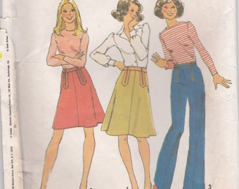 vintage 1970's Simplicity 7112. 2 Lenght Skirts and 1 Pants