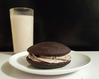 Cookies-n-Cream Whoopie Pies