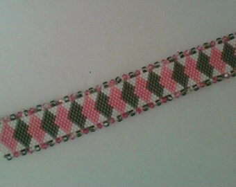 Delica bracelet, peyote stitch bracelet, diamond design peyote bracelet.