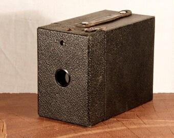 Kodak Eastman, six-20 Brownie E vintage camera. With original box!