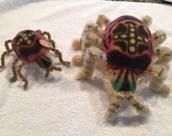Steiff limited edition large and small spidy set