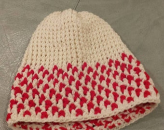 """White and red """"candy cane"""" crochet slouchy beanie"""