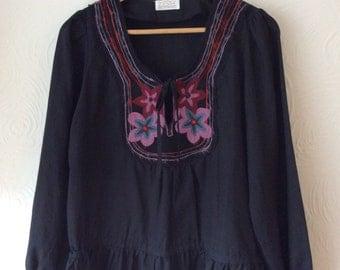 Vintage 70s Folk Embroidered Blouse Freesized