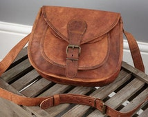 Vintage Style Leather Saddle Bag - Size: Small By Vida Vida