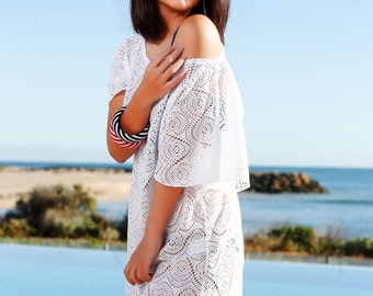 Summer Get Away Kaftan - Pretty cover-up lace Kaftan with scoop neck ideal to pair up with any swimwear