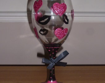 Hand Painted Glittered Hearts & Lips Wine Glass