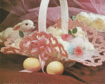 Pretty Heart Basket in Plastic Canvas