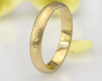 Men's Hammered Wedding Ring - Eco Friendly 18k Yellow or Rose Gold - 4mm x 2mm - Handmade to Size