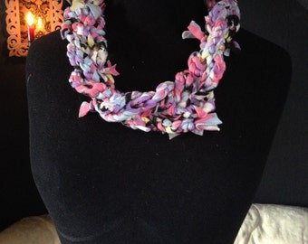 Accessories hand-knotted necklace