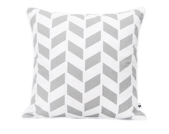 Modern herringbone pillow, Grey geometric pillow cover, Zig zag decorative throw, Mid century modern, Handprinted pattern, Cotton fabric
