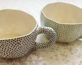 Dotted wide mug