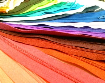 100 Nylon Zippers 7 Inches Coil #3 Closed Bottom Assorted Colors (100 zippers)