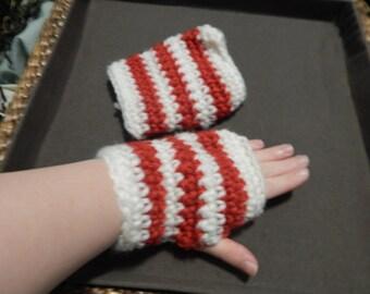 Vintage yarn fingerless gloves