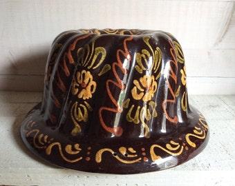 VINTAGE JELLY MOULD - slipware pottery, studio pottery