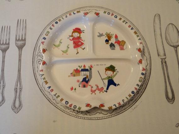 trio of shin san melamine children 39 s divided plates from. Black Bedroom Furniture Sets. Home Design Ideas