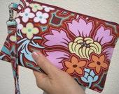 Wedding clutch gift pouch 2 pockets medium,plum,wristlet spring wedding gifts - Disco flower chocolate