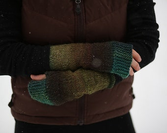 CAMP OUT Fingerless Mitts - Yarn to Create Mitts - free pattern on ravelry - Plymouth Brand GINA - Color 10 - 100% wool - Quick Ship