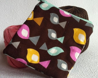 Little birds on a brown square zipper pouch
