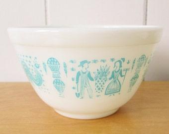 vintage aqua Butterrprint Pyrex bowl 401