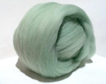 Mint Merino Roving, Needle Felting Spinning Fiber, Merino, wool, roving, 1 oz with 3 free samples, Mint Green, Light Green