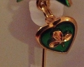 Green Shamrock in a heart  dangling from Bow Gold Tone Stick Pin Vintage New