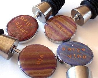 Wine Stopper Latin/French Quotes: Your choice Carpe Diem, Carpe Vino, Vino or Vin polymer clay bottle top quip saying striped gift gold