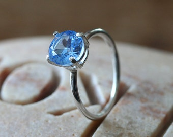 Sparkly Aquamarine Ring 8 mm • Prong Set • Sterling Silver Gemstone • Size 2 to 15 • Faceted Stone • March Birthstone • Blue