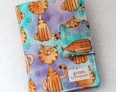 Cats - Mini Crayon Case and Art Portfolio- Includes Crayola Crayons and 100-sheet Paper Pad.