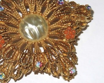 SJK Vintage -- Large Gold Mid Century Filigree Star Shaped Brooch with AB Rhinestones and coral plastic pearls (1940's-50's)