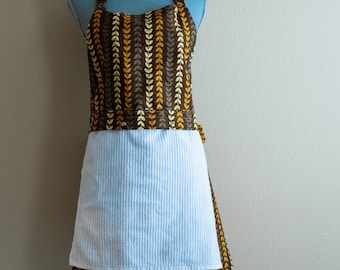 SALE Ready to ship- Snap To It Apron with REMOVABLE Dishtowel - FULL Kitchen Apron for Women -  Golden Wheat
