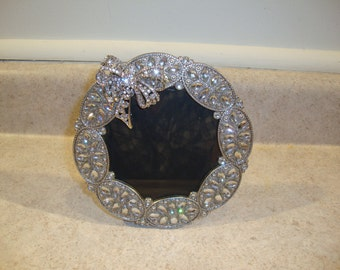 Round Picture Frame with Crystal Bow.