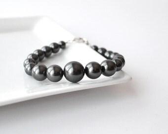 Black Pearl Bracelet, Large Pearl Bracelet, Chunky Beaded Bracelet, Handmade Modern Jewelry, Bridesmaid Gift, Black Wedding Jewelry