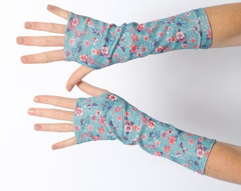 Blue floral armwarmers, Vintage floral fingerless gloves, pink and blue wrist warmers, Vintage floral jersey gloves