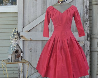 1950s raspberry party dress 50s taffeta cocktail dress size small Mad Men vintage formal dress with full skirt