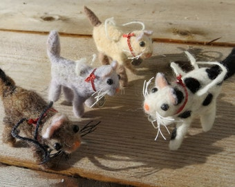 Needle felted cute cats make good pets