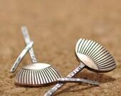 Kabuki Up&Down earrings - Sterling Silver Earrings - Handmade - Hammer forged